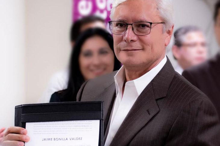 Jaime Bonilla recibe constancia de gobernador.