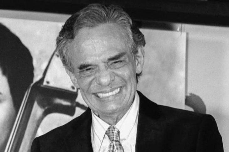 José José muere a los 71 años de edad.