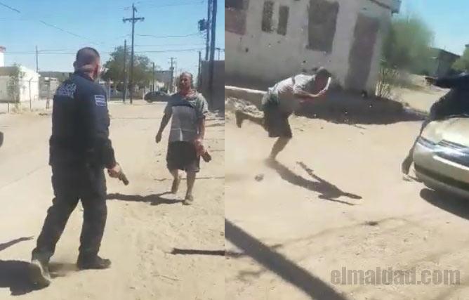Policía se enfrenta a hombre con arma blanca.