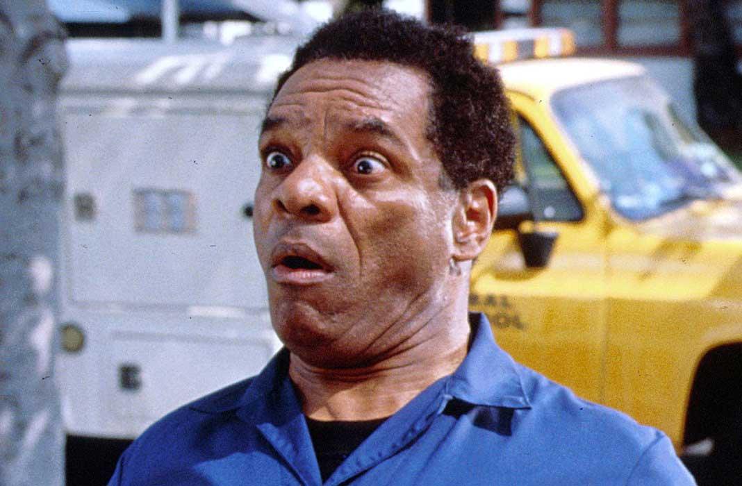 John Witherspoon en una escena de Friday (1995).