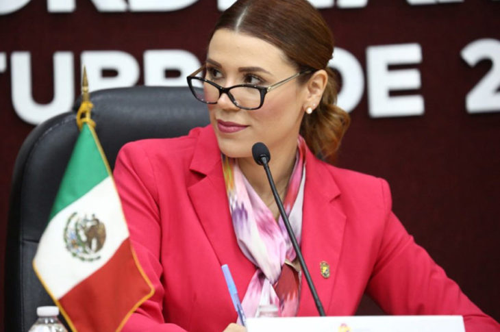 Marina del Pilar en su primer día como presidente municipal de Mexicali.