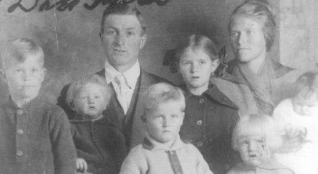 Alma Dayer LeBarón junto con su familia.