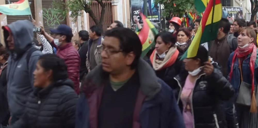 Pueblo de Bolivia salió a festejar a las calles la renuncia de Evo Morales.