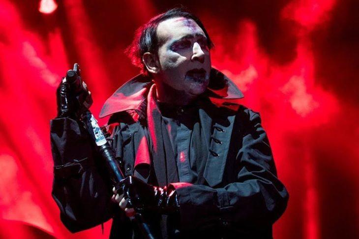 Marilyn Manson en concierto en su gira de 2019.