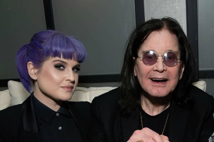 Kelly junto a su padre, Ozzy Osbourne.