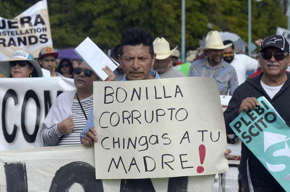 Marchan contra Constellation Brands y Jaime Bonilla. Foto: Cristian Torres.