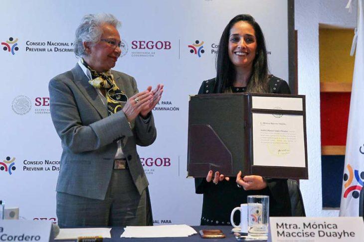 Olga Sánchez Cordero, titular de Segob junto con Monica Maccise, titular de Conapred.