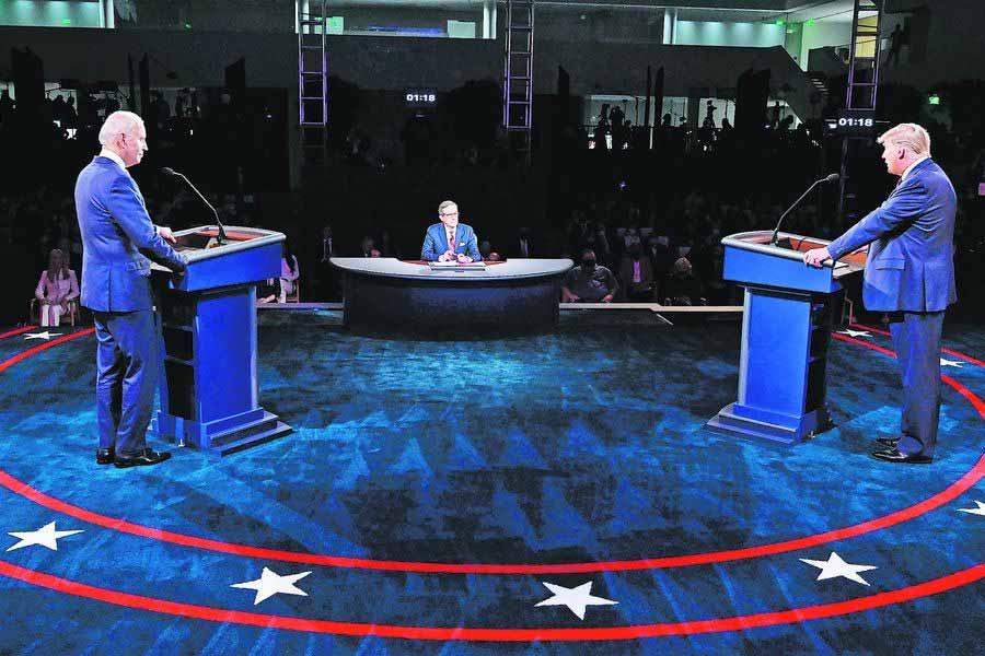 Biden y Trump en pleno debate.