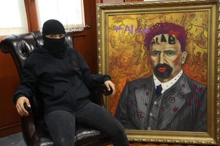 Femisimia presumiendo su vandalismo.