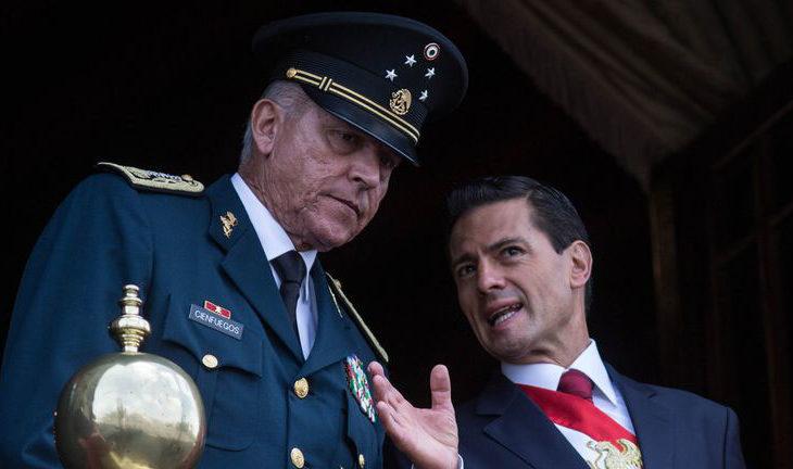El general Cienfuegos junto con el presidente Peña Nieto.