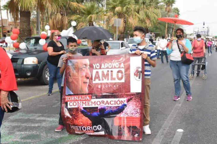 Marchan en apoyo a AMLO.