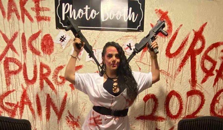 La regidora Claudia Casas posando en la fiesta de Halloween.