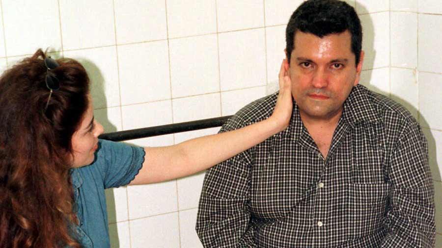Gloria y Sergio, al ser detenidos.
