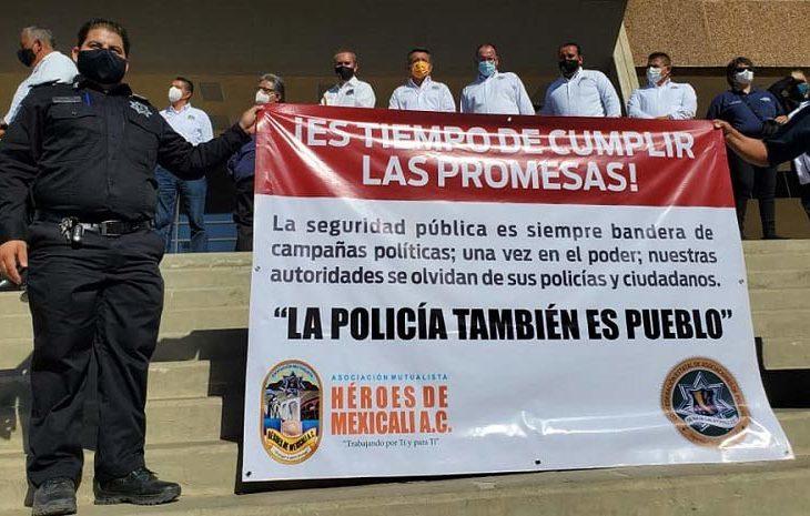 Policías manifestándose. Foto: Jorge Heras.