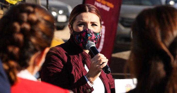 Marina del Pilar frente a los medios este lunes 21 de diciembre.
