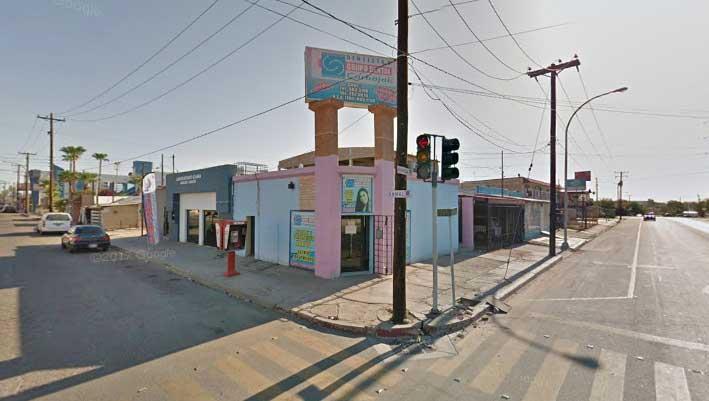 Sucursal de Grupo Dental Carbajal en la colonia Pueblo Nuevo.