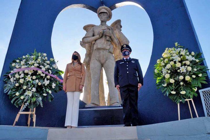 Marina del Pilar en la comandancia de policía.