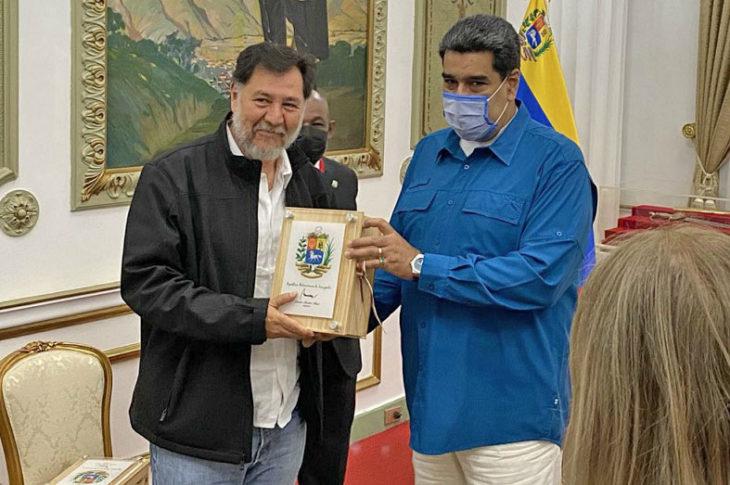 Ayer, Noroña se reunió con Maduro y no uso cubrebocas.