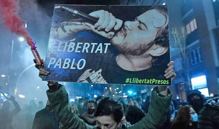 Protesta en España por libertad a Pablo Hasél. Foto: Josep Lago.