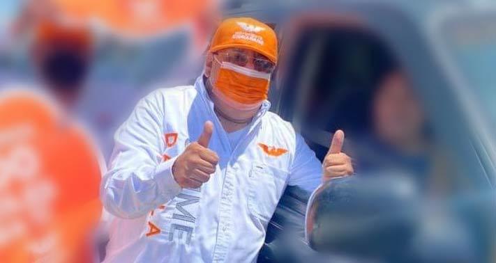 Jaime Dávila en campaña.