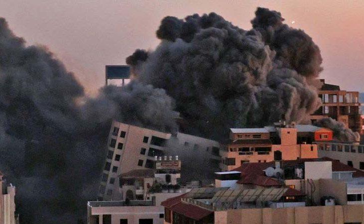 Palestina siendo bombardeada por Israel.