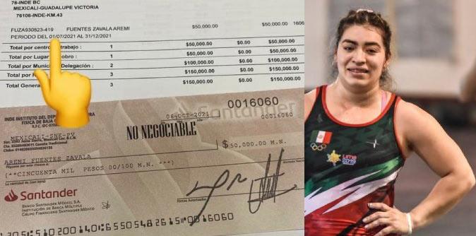 El cheque de Aremi Fuentes.